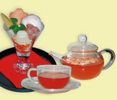九月堂の和パフェと香るお茶セット